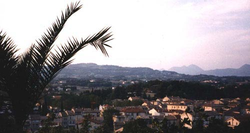 vaison la romaine with its hotels and guesthouses